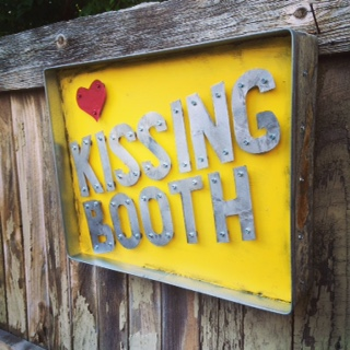 Kissing Booth – $325.00
